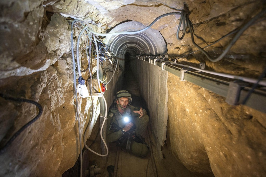 hamas tunnel to infiltrate Israel